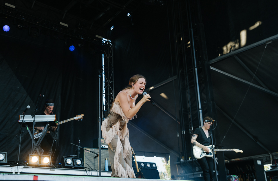 Maggie Rogers Avenue of the Saints Amphitheater Hinterland Music Festival
